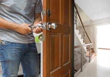 Ouverture d'une porte d'un appartement par un serrurier sur Grenoble