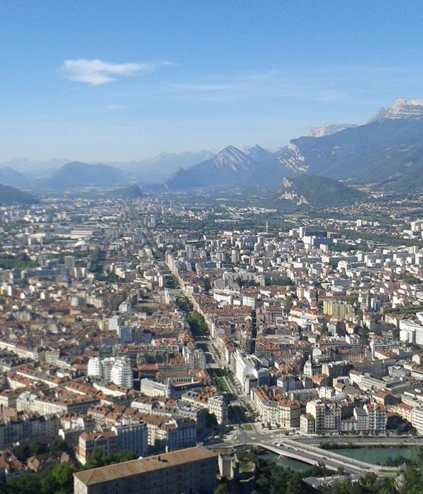 Vue sur Grenoble où votre serrurier Grenoble est intervenu